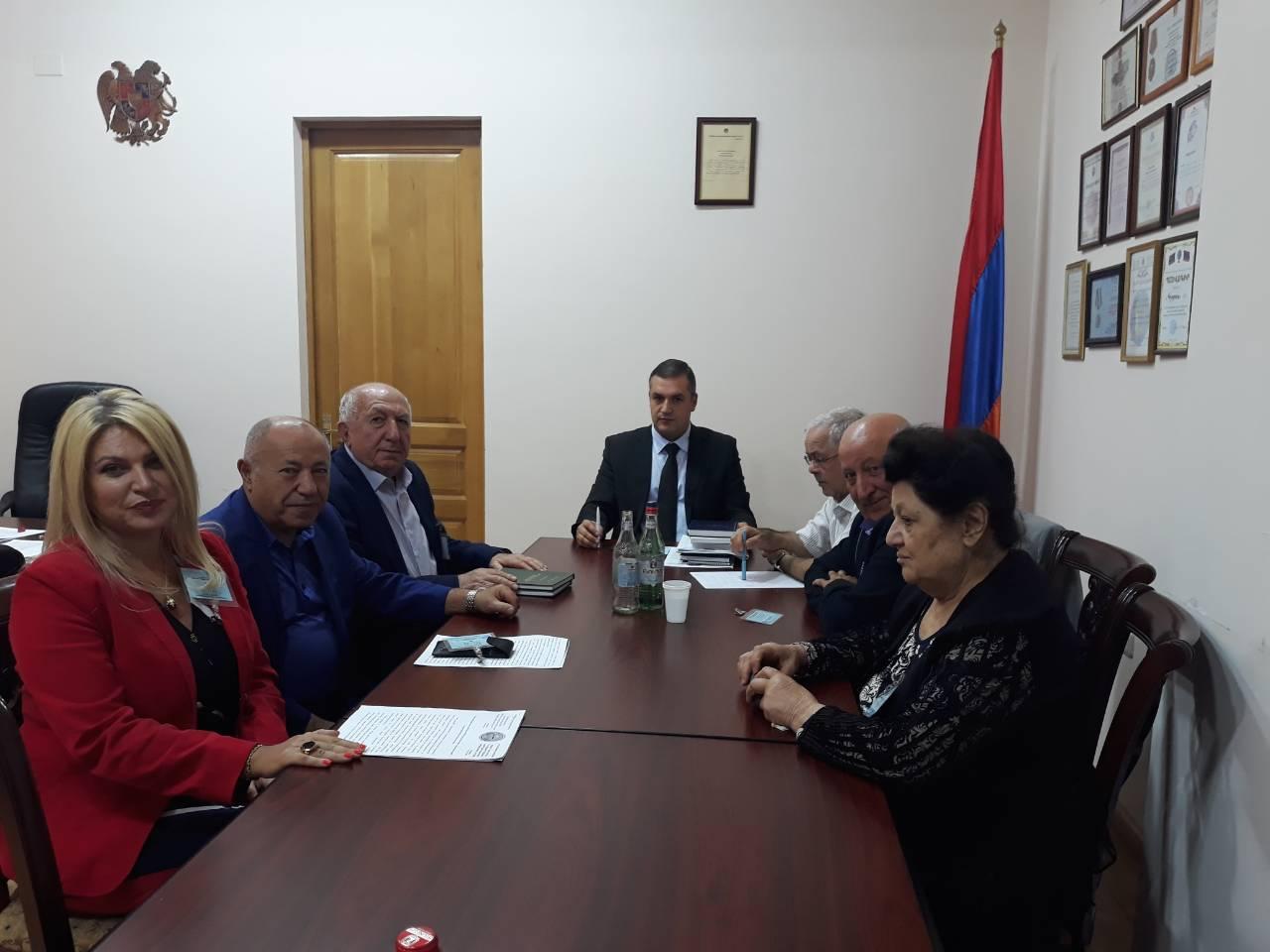 Встреча председателя комиссии Тиграна Уриханяна с ректорами негосударственных аккредитованных вузов